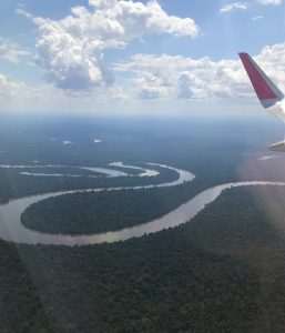 Frequently Asked Questions – What airlines fly to Iquitos